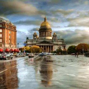 Названы самые популярные города для путешествий в День России