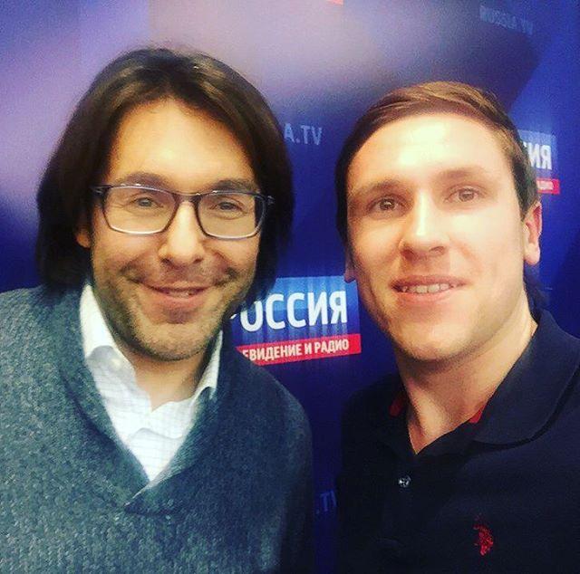 С днём телевидения всех поздравляют Андрей Малахов и куратор курса