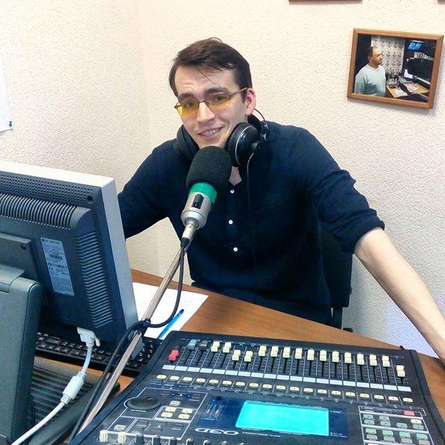 Сегодня день рождения отмечает ведущий радио Вышка Михаил Стребков!  Кода Миша пришел на Радиостарт, мы сразу поняли, что это наш ...