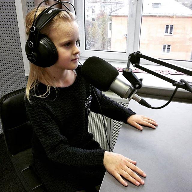 """Мы рады сообщить, что открыли предварительную запись детей на курс """"Академия радио и телевидения для школьников""""! Места можно бронировать написав ..."""