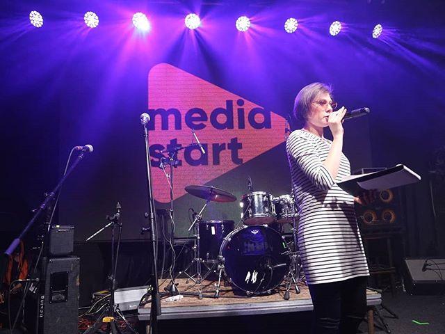 Медиа-группа Вышка и курс телерадиоведущих в Екатеринбурге Медиастарт поддерживает международный фестиваль независимых групп Emergenza!  Хотите стать нашими партнерами, чтобы мы ...